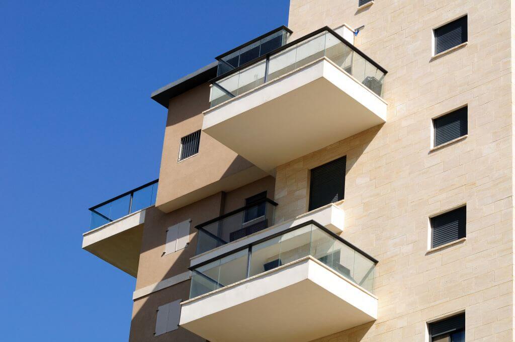 למה דווקא ביטוח ועדי בתים במגדל?