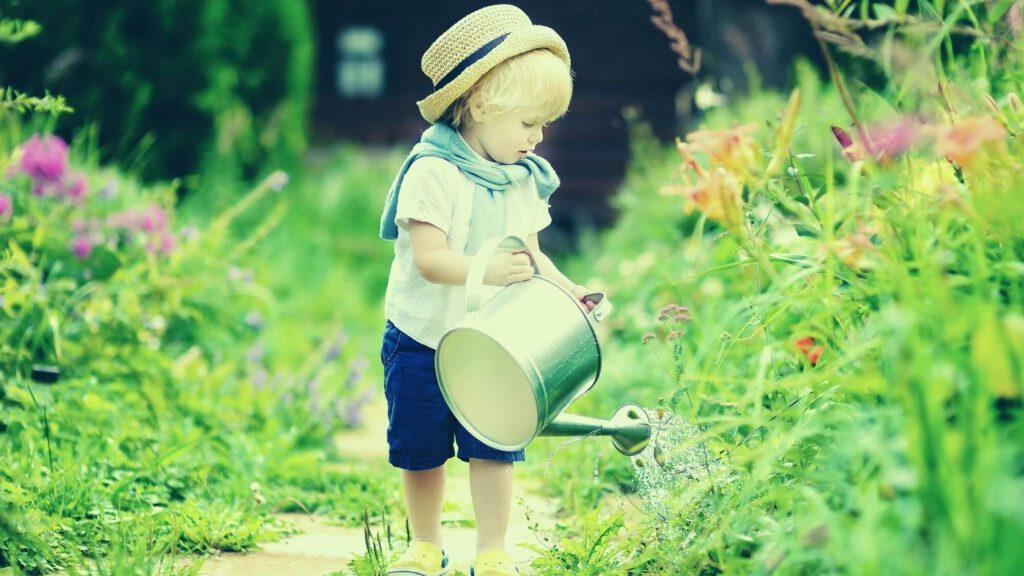 ילד בגינה – ביטוח לגינה בבית משותף